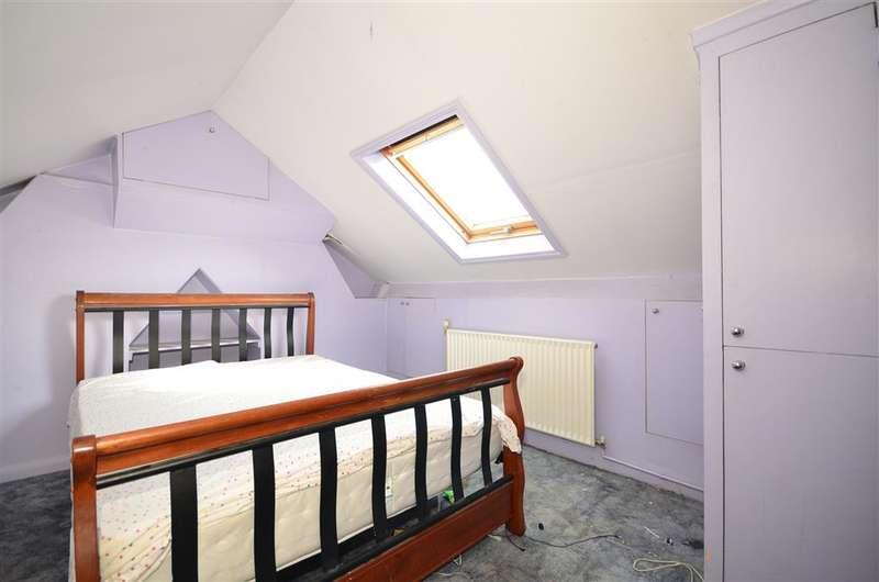 3 Bedrooms Terraced House for sale in Beverley Road, East Ham, London