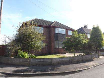 4 Bedrooms House for sale in Marina Avenue, Great Sankey, Warrington, Cheshire, WA5