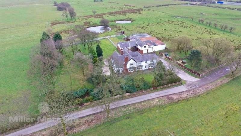 5 Bedrooms Detached House for sale in Wingates Lane, Westhougton, Bolton, Lancashire