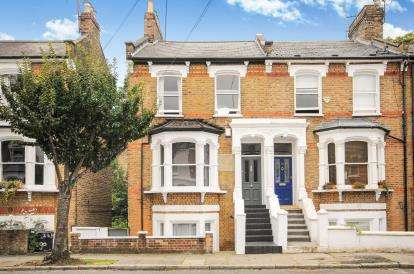 5 Bedrooms Terraced House for sale in Hugo Road, London