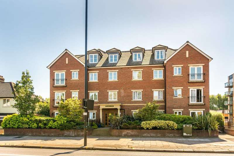 2 Bedrooms Flat for sale in Golden Court, Isleworth, TW7