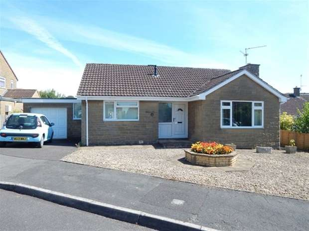 2 Bedrooms Detached Bungalow for sale in Priory Close, Castle Cary