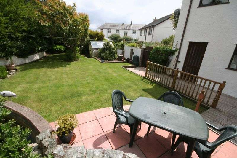 3 Bedrooms Detached House for sale in The Rise, Trearddur Bay, Anglesey