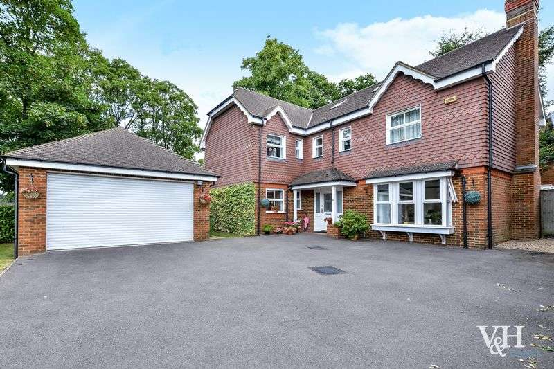 6 Bedrooms Detached House for sale in Quarry Gardens, Leatherhead