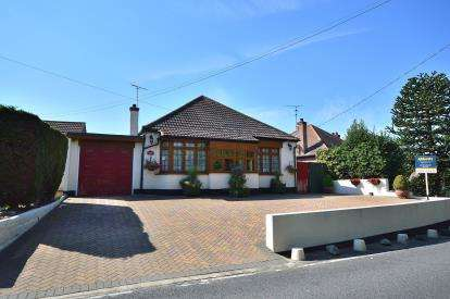 2 Bedrooms Bungalow for sale in Barling Magna, Southend-On-Sea, Essex