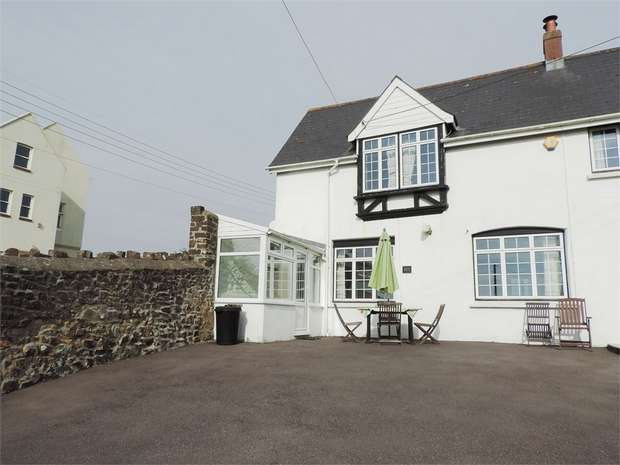 3 Bedrooms Semi Detached House for sale in Bay View Road, Northam, Bideford, Devon