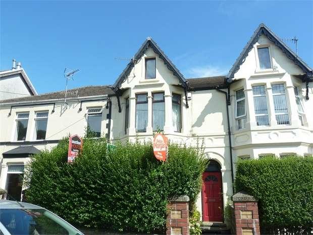3 Bedrooms Terraced House for sale in Brynmawr Place, Maesteg, Maesteg, Mid Glamorgan
