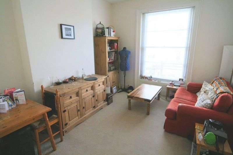 1 Bedroom Flat for sale in High Street, Cheltenham