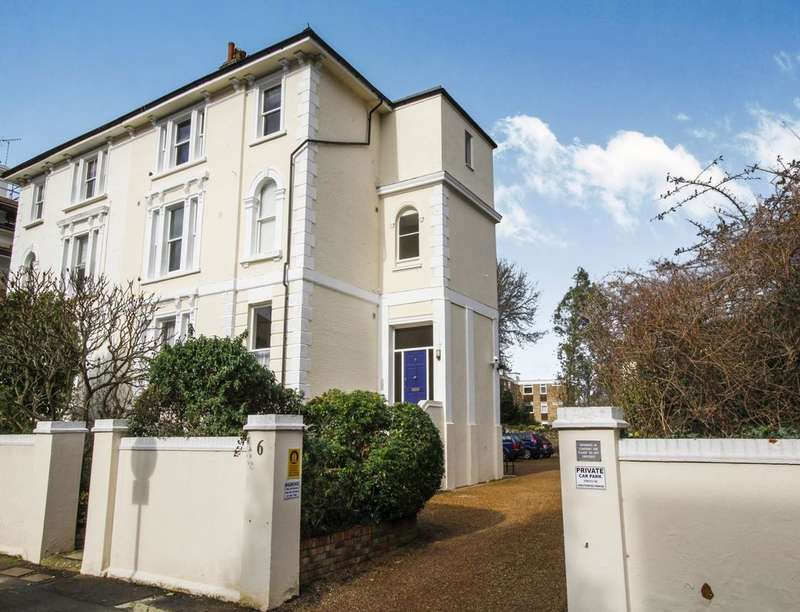 1 Bedroom Flat for sale in Uxbridge Road, Kingston Upon Thames, KT1