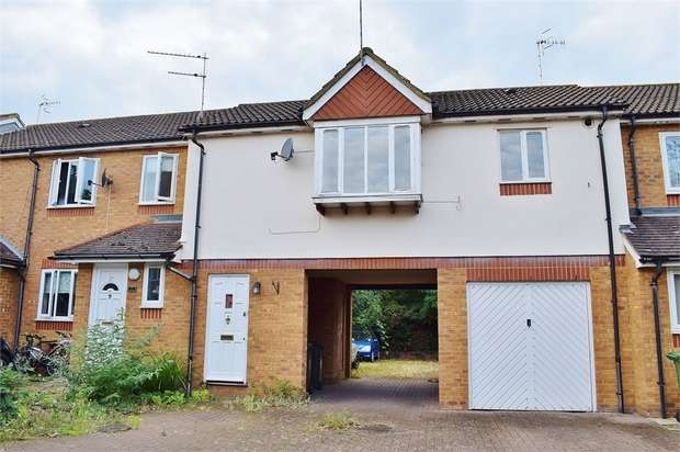 Studio Flat for sale in Siskin Close, BUSHEY, Hertfordshire