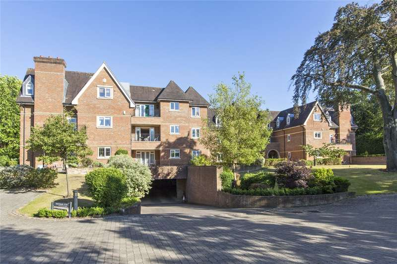2 Bedrooms Flat for sale in Belvedere House, Churchfields Avenue, Weybridge, Surrey, KT13