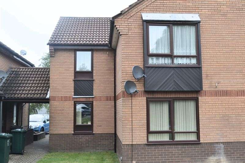 2 Bedrooms Flat for sale in Civic Way, Swadlincote