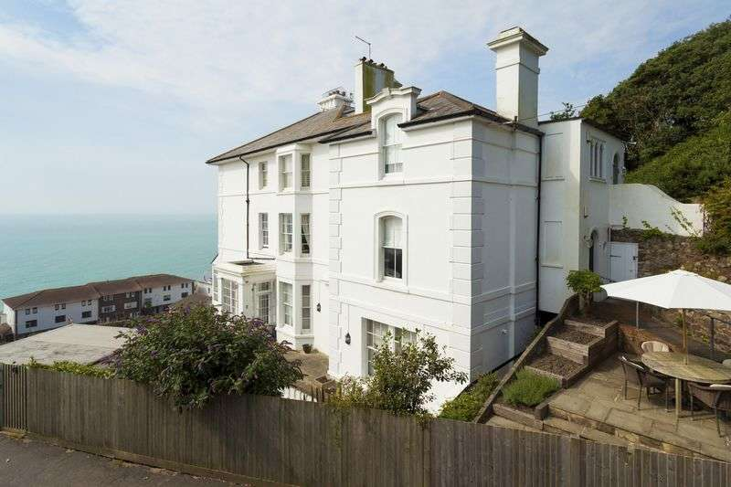 3 Bedrooms Flat for sale in Sandgate