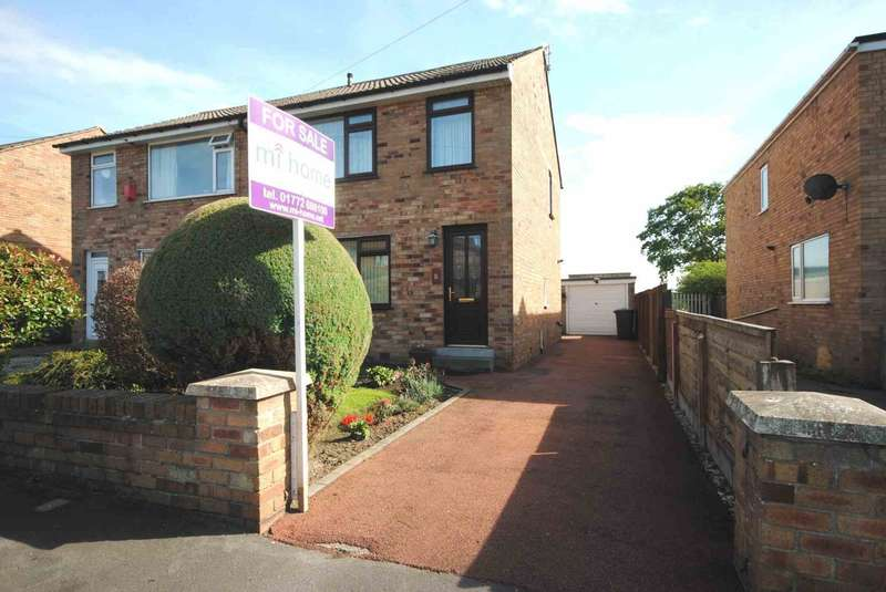 3 Bedrooms Semi Detached House for sale in Green Lane, Freckleton