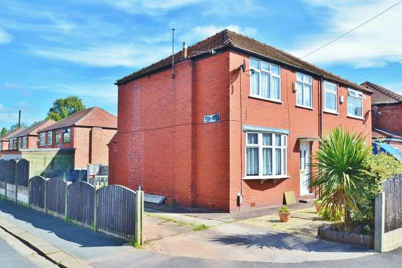 3 Bedrooms Semi Detached House for sale in Weymouth Road, Winton