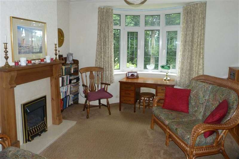 3 Bedrooms Property for sale in 99, Tunnacliffe Road, Newsome, Huddersfield