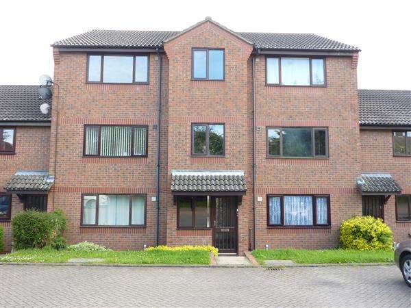1 Bedroom Apartment Flat for sale in BARONESS COURT, (OFF BARONESS ROAD), GRIMSBY