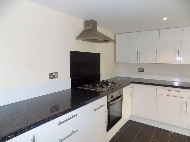 3 Bedrooms Semi Detached House for sale in Castle Hill Road, Hindley, Wigan, Lancashire