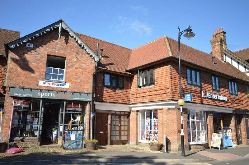 1 Bedroom Flat for sale in High Street, Haslemere