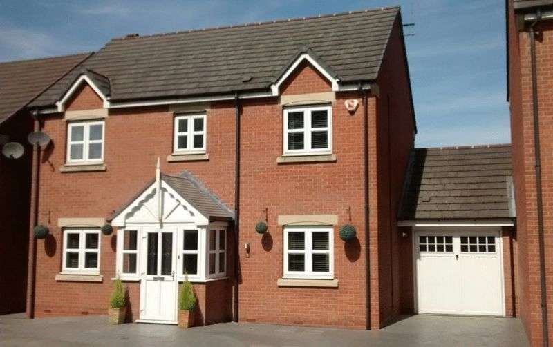 4 Bedrooms Detached House for sale in Hall Farm Way, Ilkeston