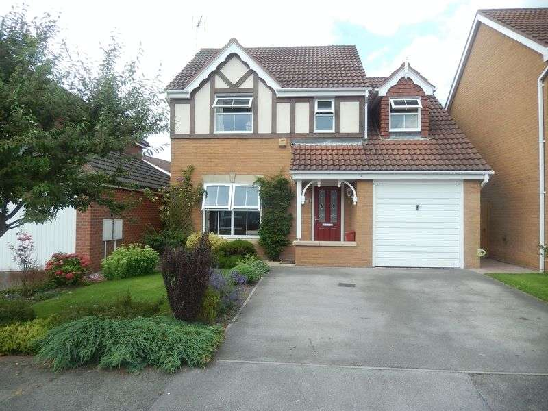 4 Bedrooms Detached House for sale in Oakham Drive, Selston