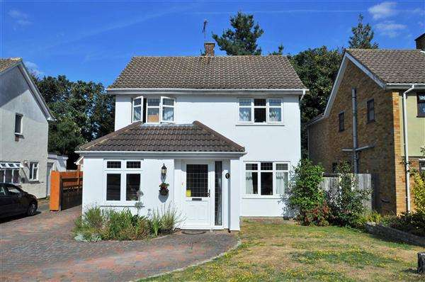 4 Bedrooms Detached House for sale in MAIDSTONE, ME16