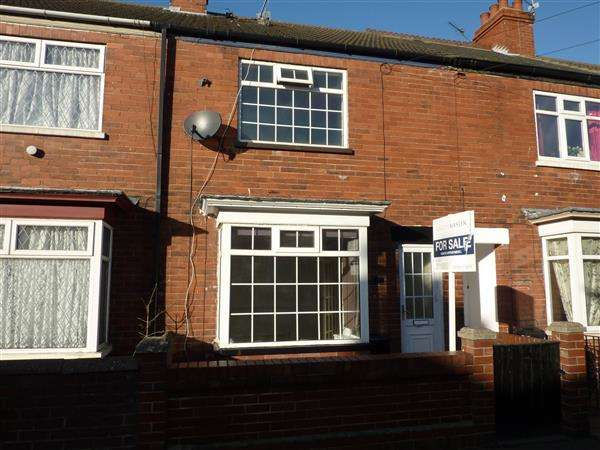 3 Bedrooms Terraced House for sale in LAWSON AVENUE, GRIMSBY