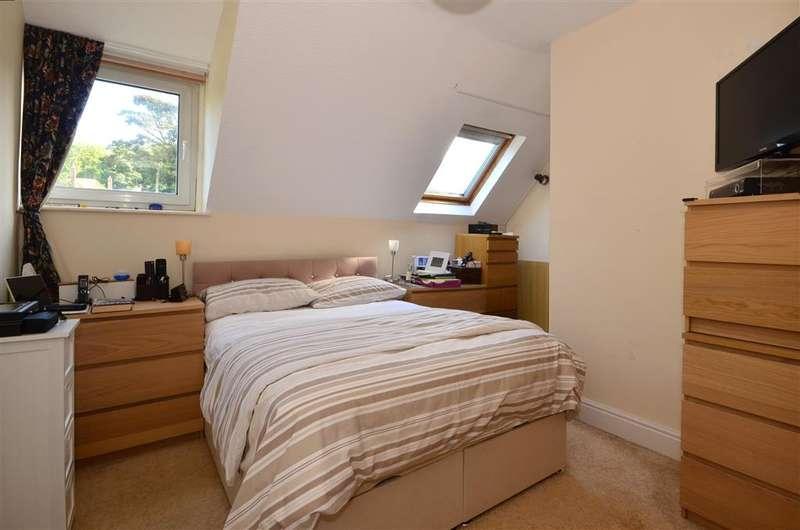 2 Bedrooms Flat for sale in Salisbury Road, Dover, Kent