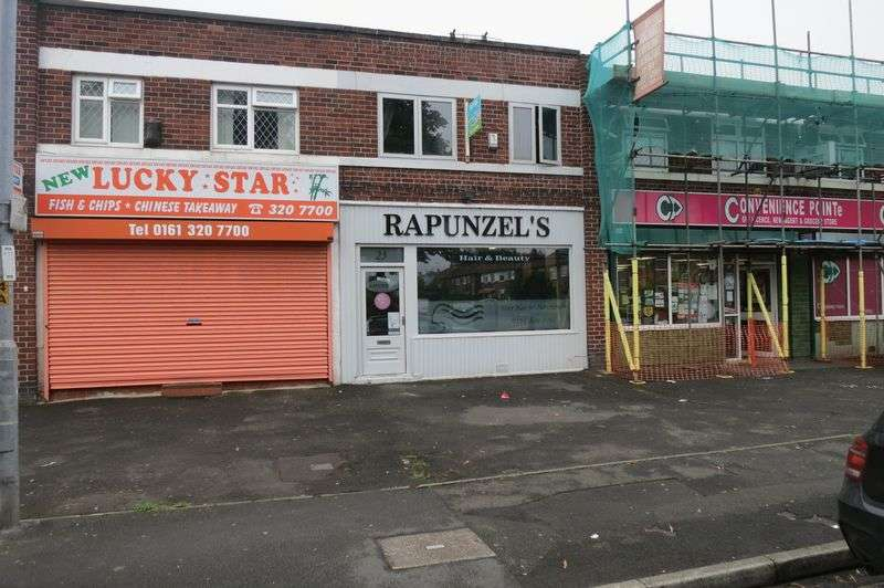 3 Bedrooms Property for sale in Moorfield Avenue, Manchester
