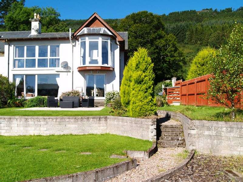 6 Bedrooms Terraced House for sale in County Houses, Inverness