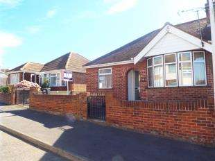 2 Bedrooms Bungalow for sale in Roman Road, Ramsgate, Kent