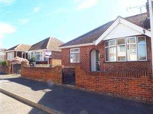 2 Bedrooms Bungalow for sale in Roman Road, Ramsgate, Kent