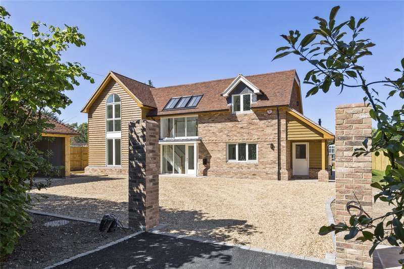 5 Bedrooms Detached House for sale in Oak Grange Road, West Clandon, Guildford, Surrey, GU4