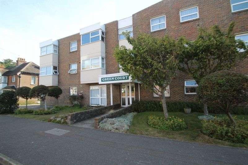 2 Bedrooms Flat for sale in St. Catherines Road, Littlehampton