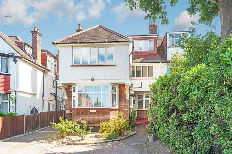 3 Bedrooms Flat for sale in Finchley Road, London