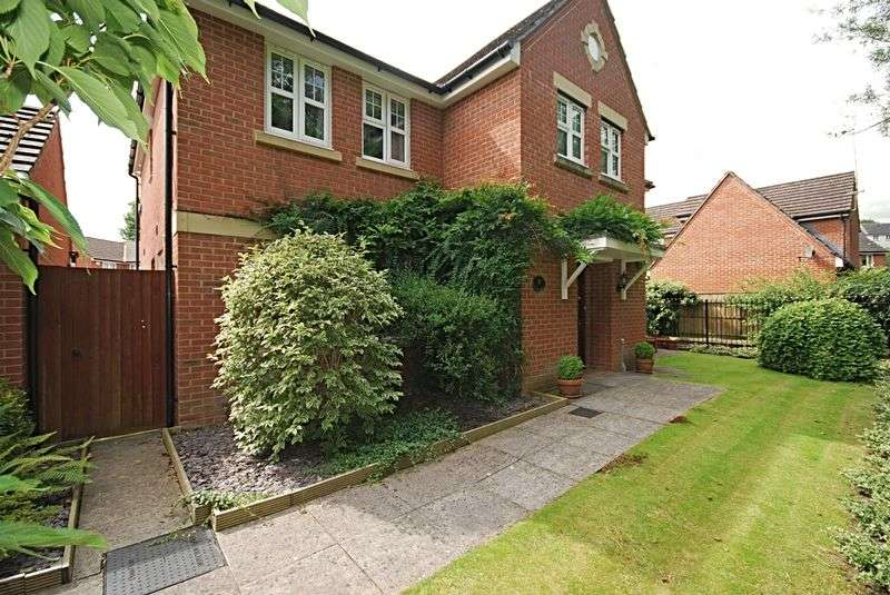 5 Bedrooms Detached House for sale in Viaduct Close, Bassaleg