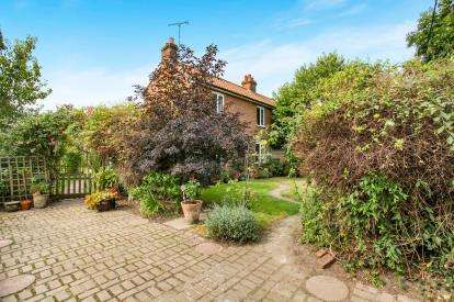 3 Bedrooms Semi Detached House for sale in Hindolveston, Dereham, Norfolk