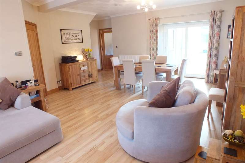 3 Bedrooms End Of Terrace House for sale in Owen Street, Pennar, Pembroke Dock