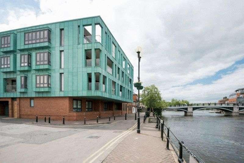 4 Bedrooms Flat for sale in Royal Windsor Quay, Windsor