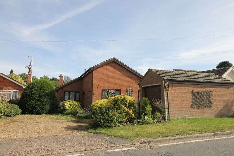 Detached Bungalow for sale in The Causeway, Carlton