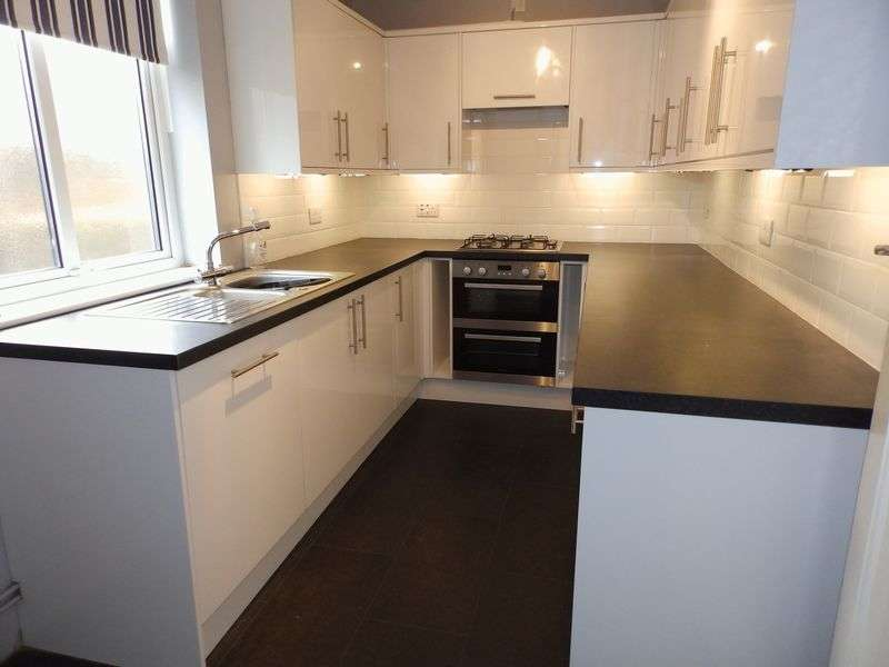 3 Bedrooms Detached House for sale in Burgh Road, Gorleston, Great Yarmouth