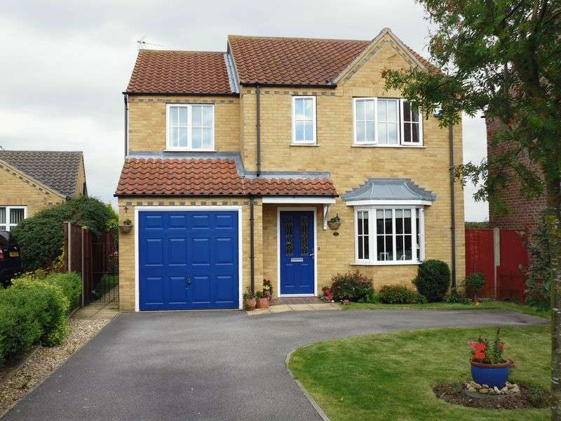 4 Bedrooms Detached House for sale in Headland Way, Navenby