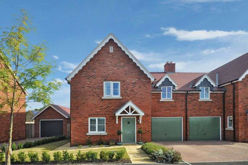 3 Bedrooms Semi Detached House for sale in Vespasian Way, Chesterton