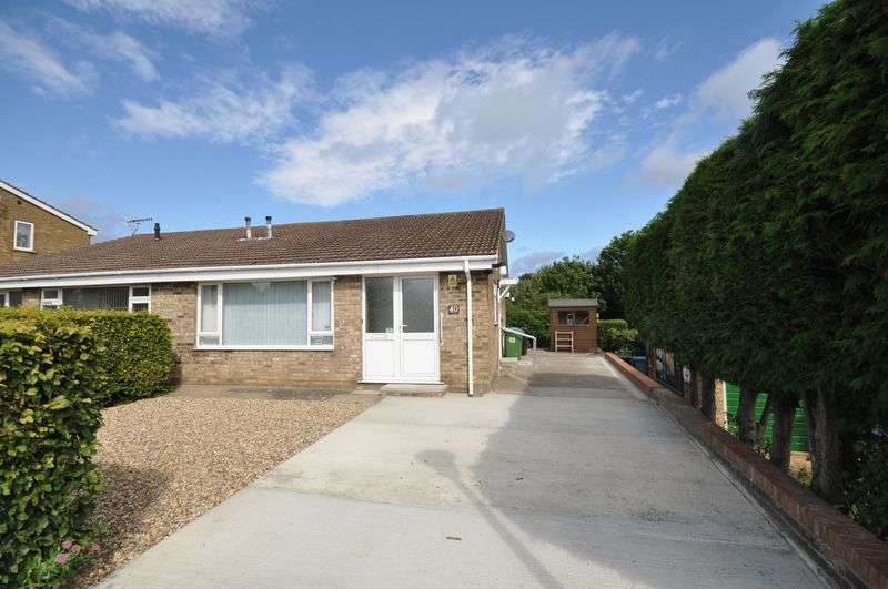 2 Bedrooms Semi Detached Bungalow for sale in 40 St Andrews Road