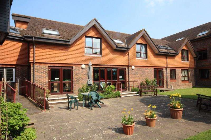 2 Bedrooms Retirement Property for sale in Bickerley Road, Ringwood
