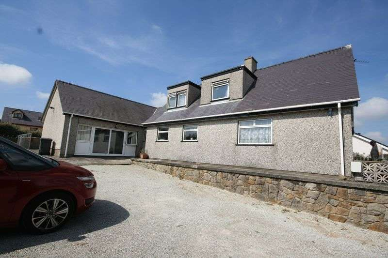 5 Bedrooms Detached House for sale in Carmel, Anglesey