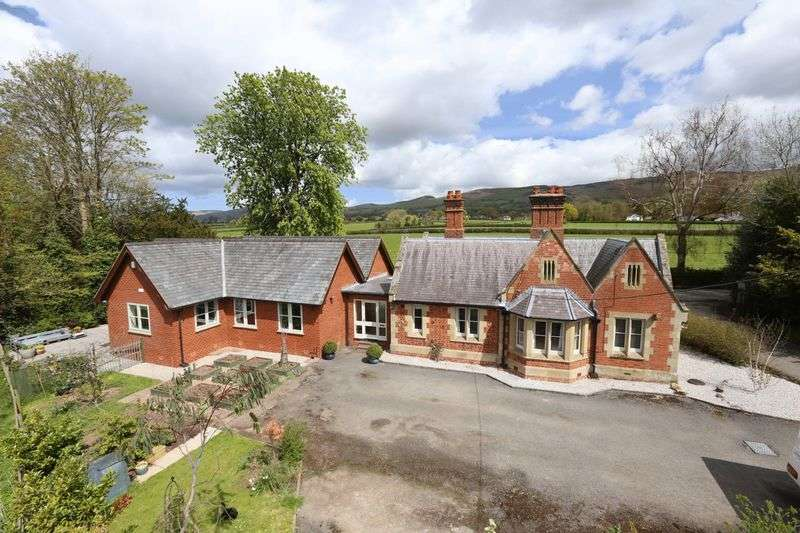 4 Bedrooms Detached Bungalow for sale in Llanychan, Ruthin