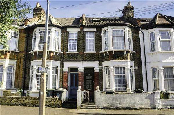 2 Bedrooms Apartment Flat for sale in Farmilo Road, Walthamstow