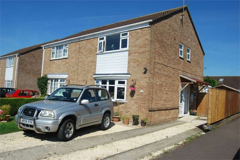 3 Bedrooms Semi Detached House for sale in 21 Dozule Close, Leonard Stanley, Stonehouse, Gloucestershire