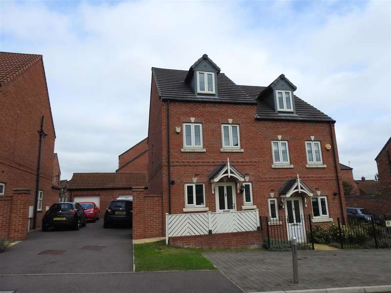 3 Bedrooms Property for sale in Betts Avenue, Hucknall, Nottingham